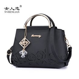 $enCountryForm.capitalKeyWord Australia - NVRENLIAN 2017 Rose Flowers Embroidery Bag Women Pu Leather Handbags Fashion Metal Top-Handle Bag Ladies Shoulder