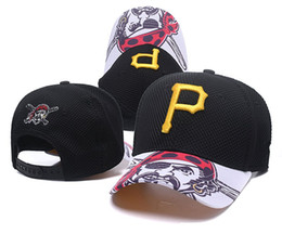 Chinese  2018 New Men's Pirates Golf Visor Mesh Snapback Hat with Gold P letter Logo Embroidery Sport Adjustable Baseball Hats manufacturers