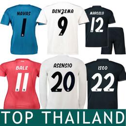 18 19 Real Madrid Bale Isco Jersey de Futbol 2019 Asensio Benzema Kroos  Varane Modric Casemiro Manga Larga Mujeres Niños Navas Portero Camisetas 6b7ddef2fc5b0