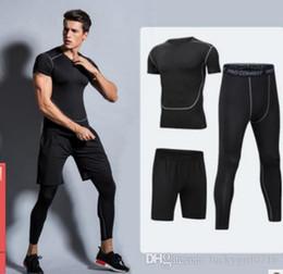Tute sportive, abiti sportivi da running da uomo, calze asciutte rapide, tute da allenamento, cinque completi da palestra per uomo. in Offerta