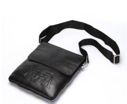Sacos de homens de negócios de couro homens casuais ombro viagem viajar saco do mensageiro dos homens quente multi-purpose saco dos homens de qualidade em Promoção