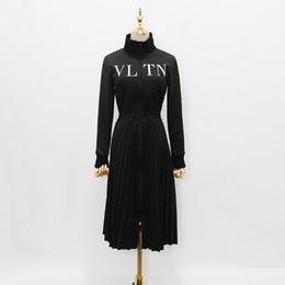 2018 diseñador de las mujeres vestido de gama alta negro soporte del cuello de manga larga pliegues vestido largo Womne impresión de la letra cremallera Celebrity Style Dress 927886