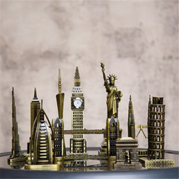 $enCountryForm.capitalKeyWord NZ - Metal 3D World Famous Architectural Bronze Crafts Model Building home decor Eiffel Tower Statue of Liberty Empire State Building