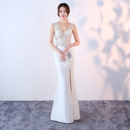 179f2e9a962 Diamonds V-Neck Voile 2018 New Women s Elegant Long Gown Party Prom For Gratuating  Date Ceremony Gala Evening Dresses A23