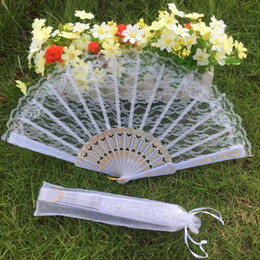 Fans Pack Canada - Free shipping 100pcs lot white color plastic frame lace fan wedding hand fan for bride with white organza bag packing