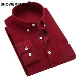 a6e52a0fc4e SHOWERSMILE Camisa de Pana para Hombre Camisa de Manga Larga Borgoña Marrón  Masculino Ocasional Sólido Talla Grande Ropa de Invierno Otoño Moda