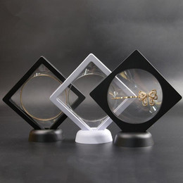 $enCountryForm.capitalKeyWord NZ - Black white Suspended Floating Display Case Jewellery Coins Gems Artefacts Stand Holder Box
