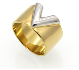 b1b6c19762c1 Lujo famoso marca de joyería para hombre   mujeres anillo oro doble color V  anillo de acero titanium 316L alto pulido anillos de amor