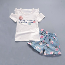 $enCountryForm.capitalKeyWord Australia - Baby Girls Clothing Sets 2018 new summer Newborn Girl Clothes Flower Red T shirt + Blue Floral Shorts Children