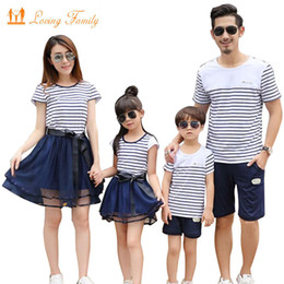 f3c457773553 2018 Summer Style Matching Family Clothing Striped T-shirt shorts Mother  Daughter dresses Father Son Family Matching Outfits