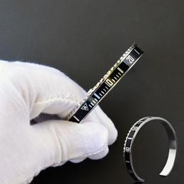 Ingrosso Braccialetto del tachimetro di alta qualità dell'acciaio inossidabile dei cinturini di stile dell'orologio di modo degli uomini di 12 colori Braccialetti di Hip Hop di modo dell'acciaio inossidabile per le donne