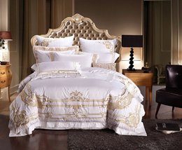 royal beds 2019 - 100% Egypt Coon White Embroidery Palace Royal Luxury Bedding Set 4 6 Pcs King Queen Size Hotel Bed set Duvet Cover Bed S