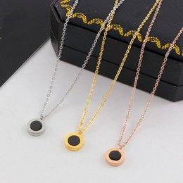 215e3aa8289b Collar clásico negro concha de mar blanco Collar de oro rosa y plata para  las mujeres Collar vintage Joyería de fantasía con caja original