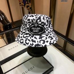 Discount designer rain hats - Women Men Bucket Hats Winter Warmed Designer  Caps Fashion Women Winter fd87a3c026e4