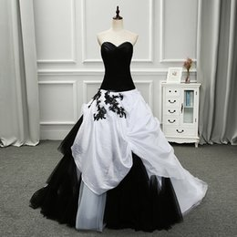 $enCountryForm.capitalKeyWord Australia - Black and White Ball Gown Vintage Gothic Wedding Dress Sweetheart Dropped Waist Ruched Tulle Top Women Non Traditional Bridal Gown