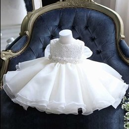 $enCountryForm.capitalKeyWord Australia - Elegant Baby Girl Baptism Gown Bead Lace Girls Pageant Dresses First Communion Gown Kids Party Formal Wear Flower Girls Dresses for Wedding