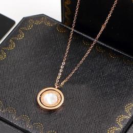 17c5e4f63f5b Collar de concha de mar blanco negro Collar de color rosa para mujer  Bisutería vintage con caja original