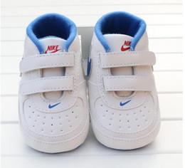 Nuevos zapatos de bebé de marca primeros caminantes tela de algodón infantil 2019 zapatos de niña zapatos de suela suave recién nacido bebé niños calzado