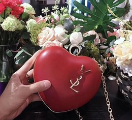 $enCountryForm.capitalKeyWord NZ - 2018 Autumn And Winter New Fashion Trend Literary Ladies PVC Plain Heart-shaped Diagonal Shoulder Bag