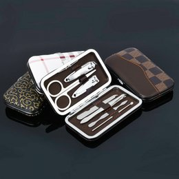 Wholesale 7pcs Nail Care Tools Manicure Sets Nail Clippers Nail Scissors Tweezer Manicure Pedicure Set Travel Grooming Kit with Retail Package 3006096