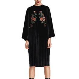 Chinese  2017 winter dress casual loose long dress black womens clothing embroidery velvet long sleeve women manufacturers
