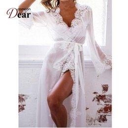 Comeondear Long Nightdress Sleepwear Прозрачное длинное платье Женщины Сексуальное женское бельё Свадебные халаты Mesh Lace Сексуальная одежда RK80507 Y1892909