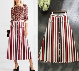 43e69b7e33 Diseñador de la marca de las mujeres faldas largas 2018 cintura alta del  verano rayas verticales botones de un solo pecho Oficina partido elegante  faldas