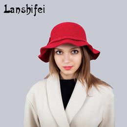 2017 Nuove donne di marca Cappello vintage britannico Bowknot Binding Rope  Inverno Autunno caldo Cap di colore solido Beret alla moda per le ragazze  delle ... cc99f6712305