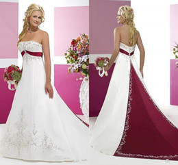 Vestidos de novia de color burdeos y blanco 2018 Modest Strapless Stain Embroidery Dos tonos Sweep Train Country Vintage Vestido de novia de novia