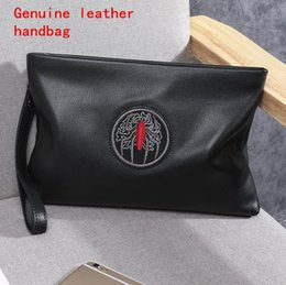 embroidery clutches Canada - Factory own brand men bag fashion embroidery leather business clutch bag large-capacity leather man wallet small bee embroidery clutch bag