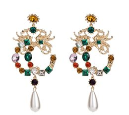 China 2018New Arrival Luxury Designer Long Dangle Earring Retro Crystal Statement Earring Famous Brand Jewelry Gift for Love High Quality8502 cheap retro dates suppliers