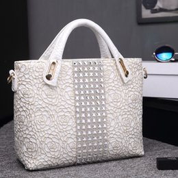 Ladies Lace Handbags Canada - White Ladies Hand Bag Crystal Diamond Women Wedding Party handbag Silver Lace Crocodile Patent Leather Bags Rose Valentine Gift Y18102504