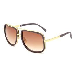 3b8e1c091 Flat Top Mulheres Quentes Quadrados Óculos De Sol Dos Homens de Design Da  Marca De Luxo Casal Senhora Celebridade Brad Pitt Óculos De Sol Super Star  Eyewear