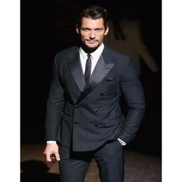 Personalizado nuevo negro pistolas de doble botonadura traje de hombre novio padrino de boda vestido de novia, traje formal de negocios de los hombres (abrigo + pantalones) en venta