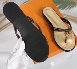 Sh Fashion Canada - 2018 Brand slippers women genuine leather Mules Flat Mules shoes Metal Chain Casual Shoes Loafers Fashion Outdoor Slippers Ladies Summer Sh