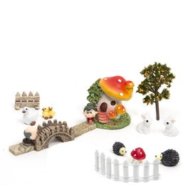 Wholesale 18pcs Set Micro Landscape Home Bonsai Diy Doll House Model Succulents Decoration Fairy Garden Miniatures Terrarium Figurines