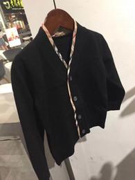a05bf91a84 2018 Herbst neue Muster Kinder Mantel Jungen und Mädchen klassische  Strickjacke schwarz High-End Temperamental Kinder Pullover Lässige Mode  Kleidung
