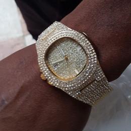 Vente en gros Les montres pour hommes regarder la montre en or diamant pour les hommes carré Quartz montre-bracelet étanche Relogio Masculino