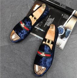 $enCountryForm.capitalKeyWord Australia - New 2018 mens fashion velvet embroidery loafers pointed toe slip on flat casual shoes driving mocassins red black blue shoes EUR38-43.