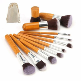 Wholesale Professional Natural Bamboo Makeup Brushes Set Foundation Blending Brush Tool Cosmetic Kits Soft Hair Beauty Tools Manufacturer gift