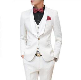 118d09e9db79a 2017 Moda Traje de Hombre Personalizado Slim Fit Mens Trajes Blancos Para  Bodas Vestido de Fiesta Ropa Para Hombre trajes de Esmoquin con pantalones  3 ...
