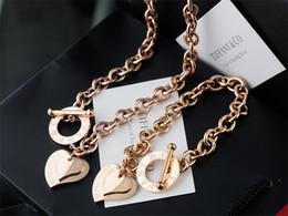 $enCountryForm.capitalKeyWord NZ - Quality Celebrity design 925 Silver bracelet necklace Silverware Metal Heart-shaped Gold Jewelery Set 2pc With Box