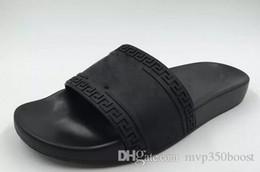 avec boîte hot marque Hommes Plage Slide Sandals Medusa Scuffs 2017 Pantoufles Hommes Beach Beach Fashion sandales à enfiler US 7-12