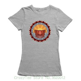 a3b35c338aecaa Das T-Stück der Frauen öffnen Chakra Retro Lotus-Hintergrund innerhalb des  Yogatraining T-Shirts der Frauen reizvolles T-Shirt Frauen übersteigt
