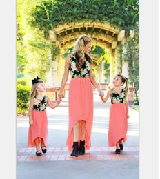 $enCountryForm.capitalKeyWord NZ - Family Matching Outfits mother daughter dresses flower print gored skirt Summer 2017 Casual Dress mom and Girls knee length short Dress