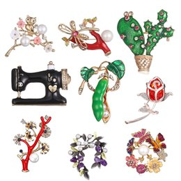 Wholesale Crystal Enamel Brooch Pins For Women Flower Broches Plant Jewelry Wedding Party Invitation Bijoux cactus Pea pods Sewing mac