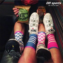 $enCountryForm.capitalKeyWord Canada - High quality Professional Mix Color Cycling sport socks Protect feet breathable Sport Football Basketball Socks Bicycles Socks