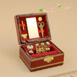 $enCountryForm.capitalKeyWord NZ - 1:12 Miniature Wooden Jewelry Box Display Case Dollhouse Decoration Accessories