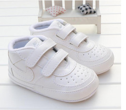 Vente en gros 2019 Toddler Soft Sole Hook Loop Sneakers Prewalker Bébé Garçon Fille Berceau Chaussures Nouveau-né à 18 Mois