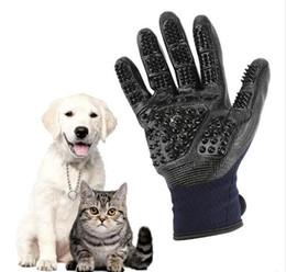 Guanti da toelettatura per animali domestici Gatti per cani Spazzola per pulire i capelli Pettine in gomma nera Cinque dita Deshedding Guanti da compagnia per cani Animali da compagnia